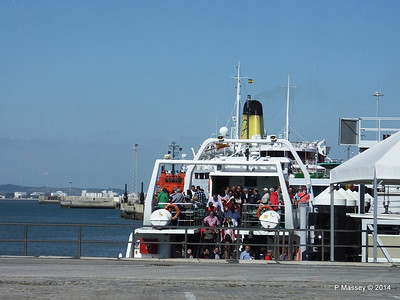 FUNCHAL funnel of Bahia de Cadiz ferry PDM 26-04-2014 16-37-13