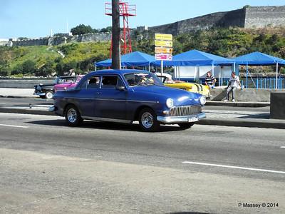 Cars along Avenida del Puerto Havana 03-02-2014 09-52-030