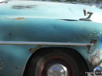 Cars along Avenida del Puerto Havana 03-02-2014 09-54-00