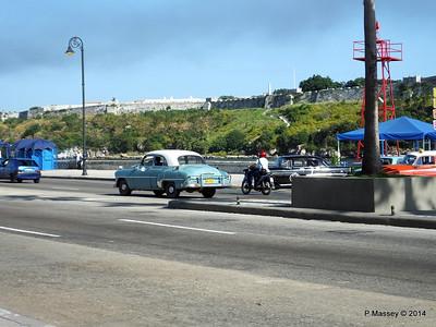 Cars along Avenida del Puerto Havana 03-02-2014 09-50-032