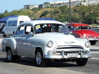 Cars along Avenida del Puerto Havana 03-02-2014 09-52-018