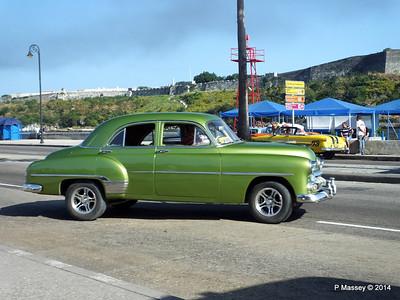 Cars along Avenida del Puerto Havana 03-02-2014 09-51-010