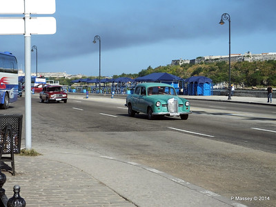Cars along Avenida del Puerto Havana 03-02-2014 09-52-049
