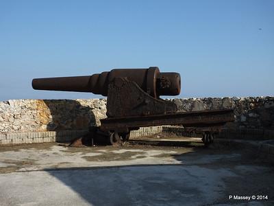 Ramparts Cannon El Morro 01-02-2014 09-23-20