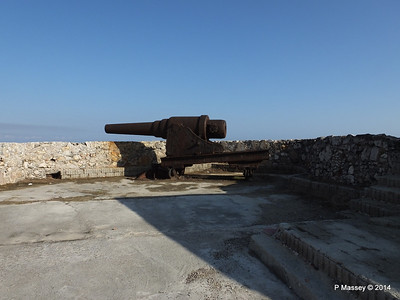 Ramparts Cannon El Morro 01-02-2014 09-23-17