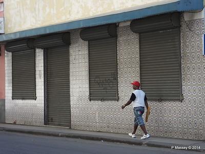 Tiles Avenida Belgica 01-02-2014 10-40-44