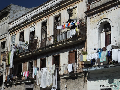 Dwellings along San Martin 01-02-2014 11-17-48