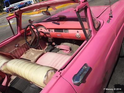 Pink Ford Nacional de Cuba 10-02-2014 13-53-19