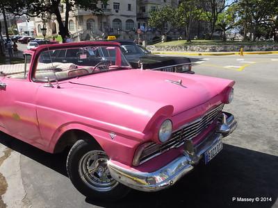 Pink Ford Nacional de Cuba 10-02-2014 13-53-29