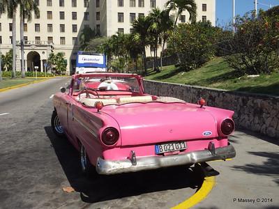 Pink Ford Nacional de Cuba 10-02-2014 13-52-58