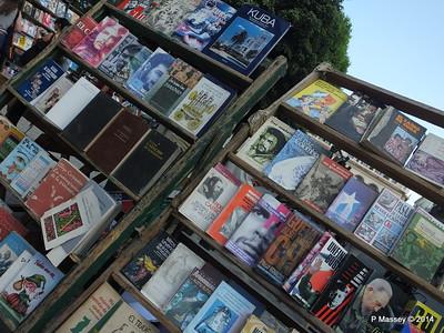 Book Market Plaza de Armas Havana 10-02-2014 11-23-31