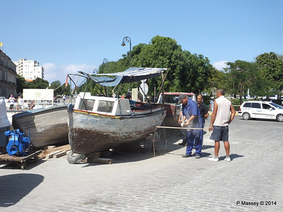 Boat Repairs on Cuba Tacon Havana 10-02-2014 11-56-39