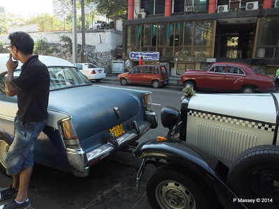 Blue Car and Ford Calle 0 Havana 10-02-2014 13-38-49