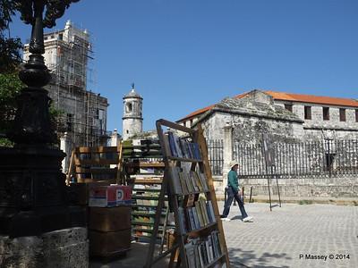Book Market Plaza de Armas Havana 10-02-2014 11-30-12