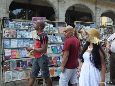 Book Market Plaza de Armas Havana 10-02-2014 11-26-41