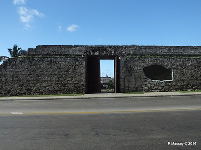 Havana's Old Town Wall near Central Railway Station 02-02-2014 10-22-30