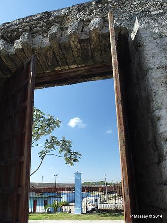 Railway Depot through the Old Town Wall Havana 02-02-2014 10-21-56