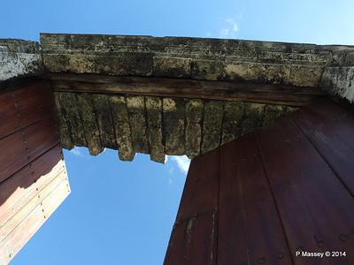 Gate through Old Town Wall Havana 02-02-2014 10-21-41