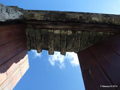 Gate through Old Town Wall Havana 02-02-2014 10-21-45
