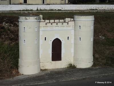 Mini Drawbridge Fort Che Geuvara House Havana 02-02-2014 09-25-57
