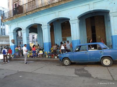 Along Avenida de Belgica Egido Havana 31-01-2014 10-27-35