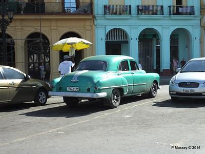 Cars Paseo de Marti at El Capitolio 31-01-2014 10-34-21