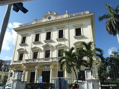 Unknown along Avenida de Belgica Egido Havana 31-01-2014 10-26-11
