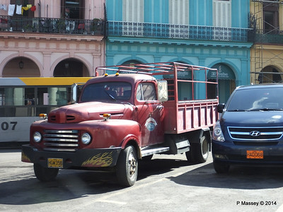 1950s Ford Pickup Truck by El Capitolio 31-01-2014 10-34-09