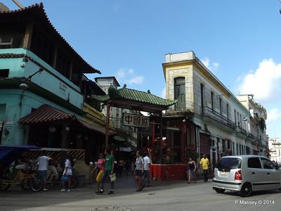 Entrance Barrio Chino de La Habana Chinatown 31-01-2014 10-40-52