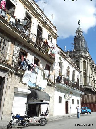 Along San Jose to Gran Teatro de la Habana 31-01-2014 12-31-24