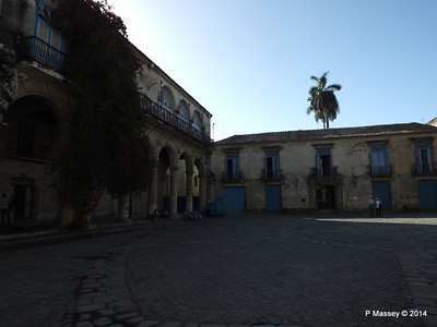 Plaza de la Catedral Havana 31-01-2014 09-19-05