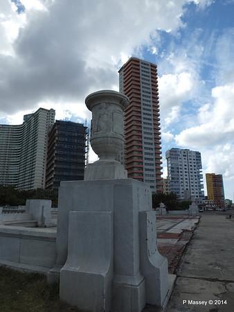 La Piragua Calle O y Malecon Havana 31-01-2014 14-07-34