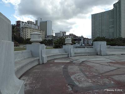 La Piragua Calle O y Malecon Havana 31-01-2014 14-07-45