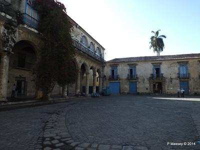 Plaza de la Catedral Havana 31-01-2014 09-19-15