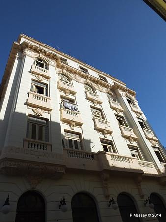 Along Empedrado Havana 31-01-2014 09-17-55