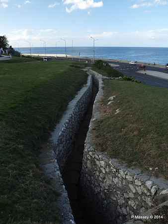 Trenches of the Santa Clara Battery 31-01-2014 20-31-20