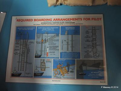 LOUIS CRISTAL Bridge Pilot Boarding Arrangements 09-02-2014 17-11-30