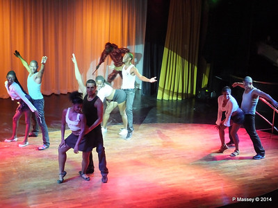 LOUIS CRISTAL Cuban Folkloric Show at Santiago 06-02-2014 19-49-49