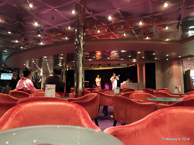LOUIS CRISTAL Rendez Vous Lounge Pianoo Bar 04-02-2014 21-38-44