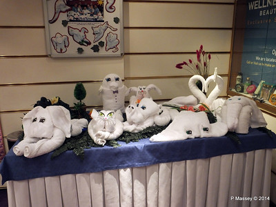 LOUIS CRISTAL Towel Animal Display 08-02-2014 07-20-25