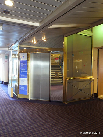 LOUIS CRISTAL Deck 5 Fwd Lift Lobby 04-02-2014 15-52-015