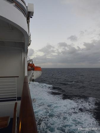 LOUIS CRISTAL Approaching Antilla 05-02-2014 06-37-24
