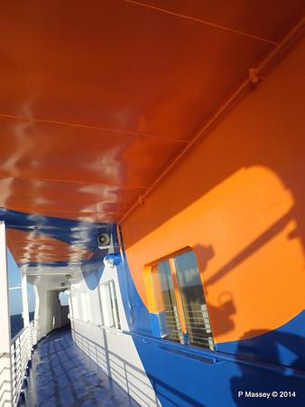 LOUIS CRISTAL Fwd Promenade Port Flowers 06-02-2014 07-31-03