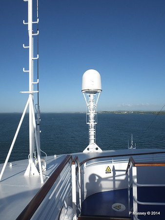 LOUIS CRISTAL Approaching Antilla 05-02-2014 08-25-48