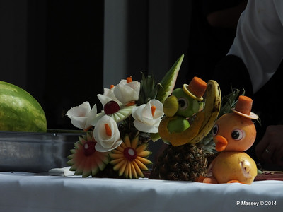 LOUIS CRISTAL Riviera Pool Fruit & Vegetable Carving 04-02-2014 11-39-33