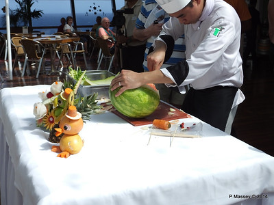 LOUIS CRISTAL Riviera Pool Fruit & Vegetable Carving 04-02-2014 11-44-27