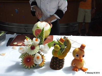 LOUIS CRISTAL Riviera Pool Fruit & Vegetable Carving 04-02-2014 11-40-32