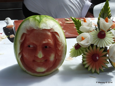 LOUIS CRISTAL Riviera Pool Fruit & Vegetable Carving 04-02-2014 11-47-17