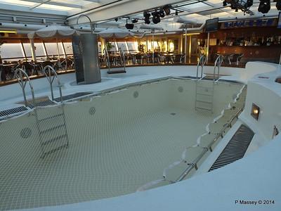 LOUIS CRISTAL Riviera Pool & Bar 06-02-2014 06-47-32