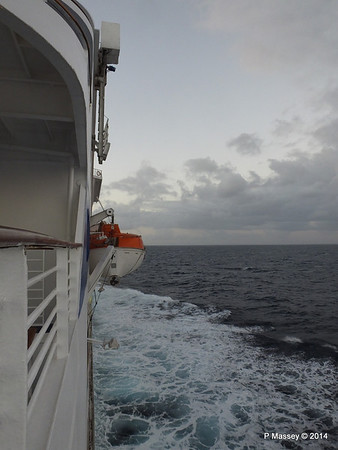 LOUIS CRISTAL Approaching Antilla 05-02-2014 06-37-36